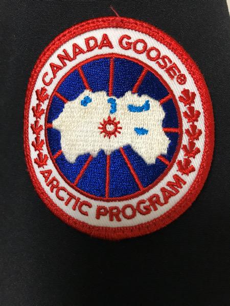 カナダグースのマーク